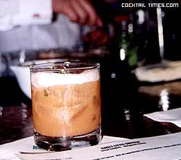 A supremely girly bourbon drink for @Alice Cartee Harvey! Now get your cute little self to KY! via Cocktail Times