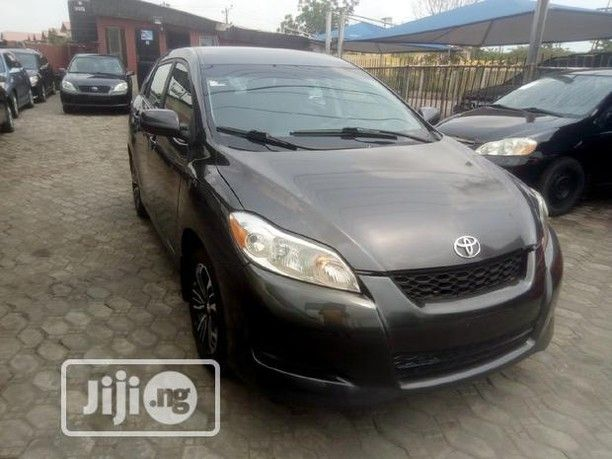 Toyota Matrix 2009 Gray Chilling Ac Sound Engine Neat Fabric Interior Carsnigeria Tokunbocars Toyotalagos Toyotama In 2020 Toyota Matrix 2009 Toyota Engineering