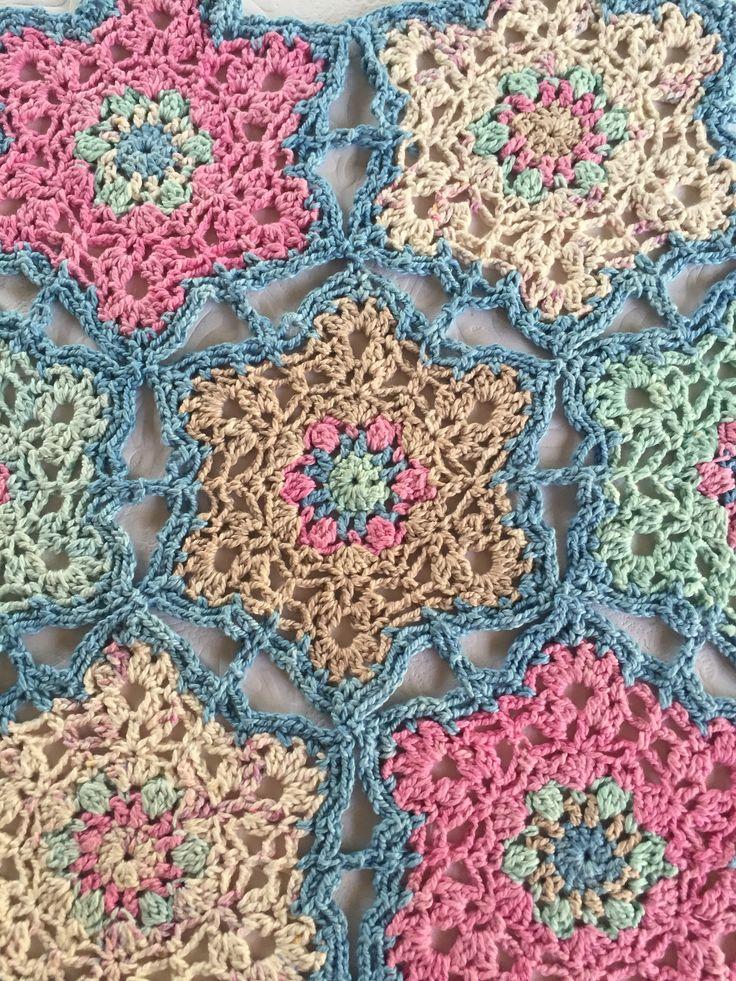 https://ahankidoridayblog.wordpress.com/2016/09/12/lace-star-motif/