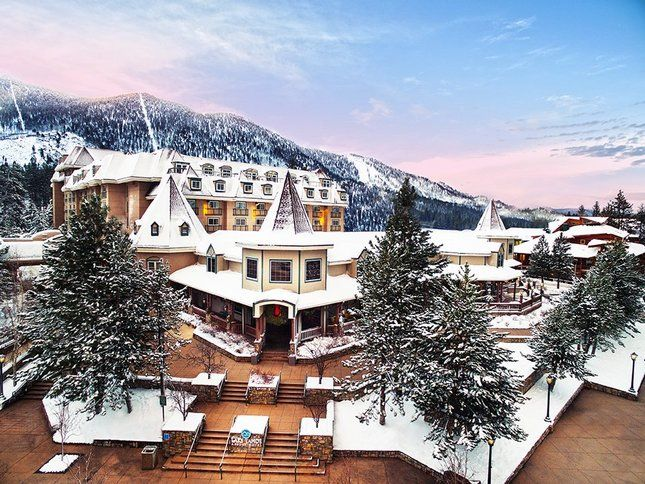 The Lake Tahoe Resort Hotel at South Shore makes a good home base for snowyadventures this winter. (Photo: Lake Tahoe Resort Hotel)