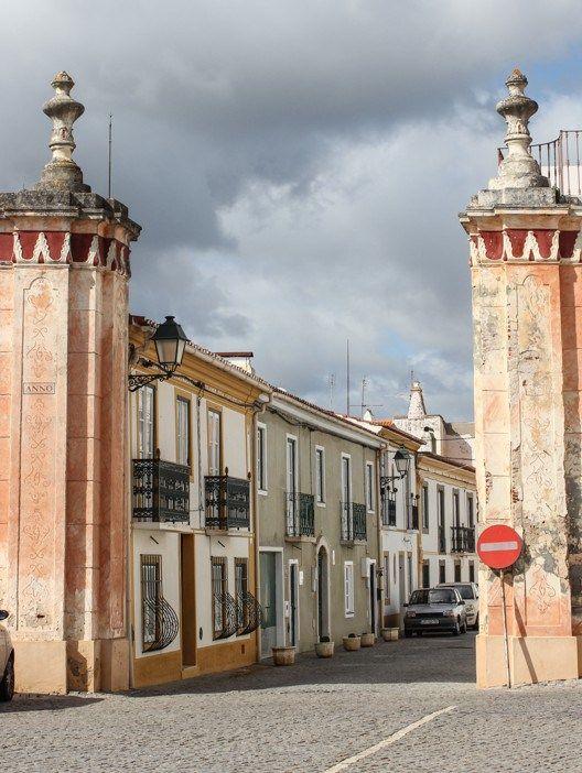 Gateway in Avis, Alentejo