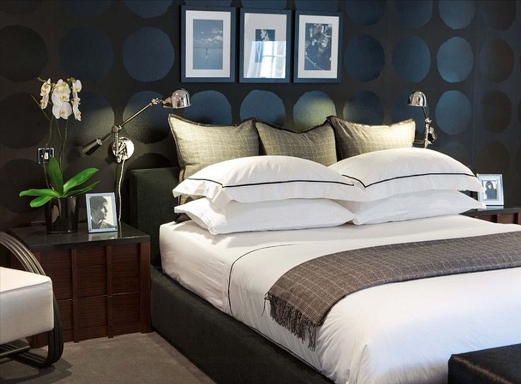 A Well-Tailored Bed - The smart use of understated bedding add a tailored effect to this bedroom