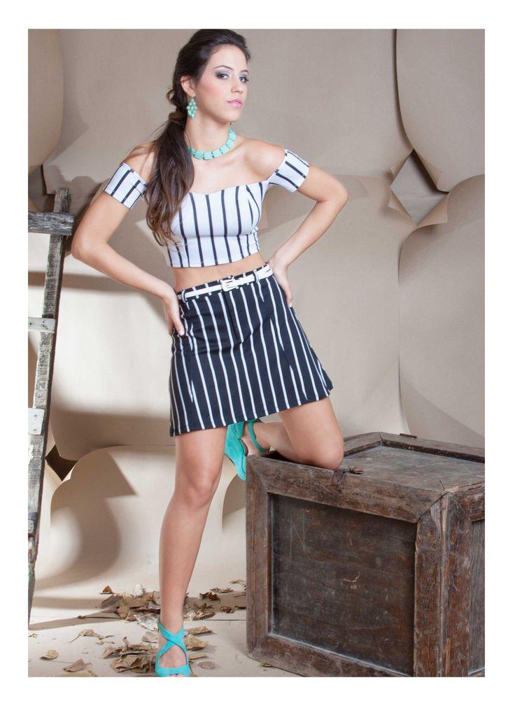 Crop Top escote corazon rayas blanco con negro y falda alta rayas blanco con negro. ZOCCA'S NEW COLLECTION !!! Encuentranos en nuestra tienda en linea . Ingresa a www.zocca.com.co . #clothing #fashion #eshop #tiendaenlinea #croptop #croptoprayas #croptopmangas #faldaalta #faldarayas #faldablancoconnegro #faldarayasblancoynegro