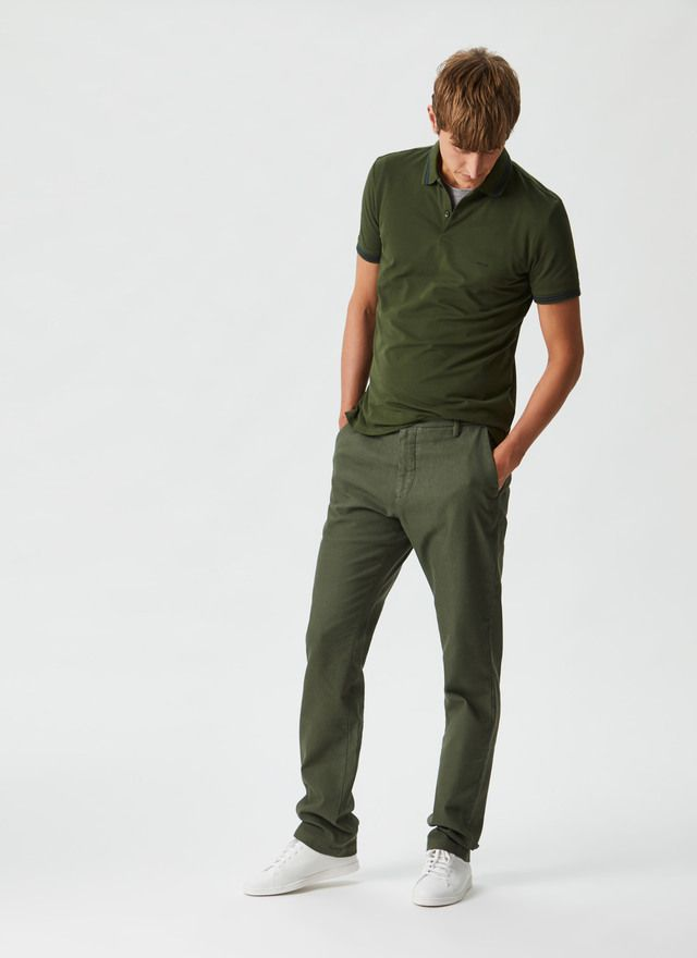 Pantalón en textura elástica y lavada Caqui NEW IN frontal