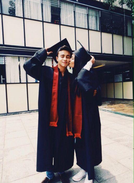 Pareja graduada