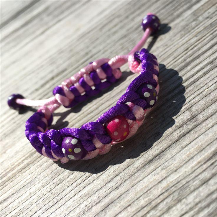 Kids macramé bracelet #diy #diyjewelry #diybracelet #handmade #handmadejewelry #kidsjewelry #kindersieraden #chunkpalace #fashion #creatief #creative #creatieveworkshops #workshop #workshops #fashion #ibizastyle #ibizajewelry #boho #bohostyle #bohojewelry #bohemian #bohemianstyle #bohemianjewelry