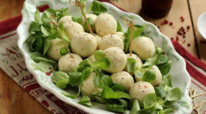 Sokan azért várják a húsvétot, hogy igyanak egy jót, mi pedig azért, hogy együnk! Ha szeretnéd feldobni az unalmas, sonka, torma, tojás triót, akkor ezek a receptek neked szólnak!