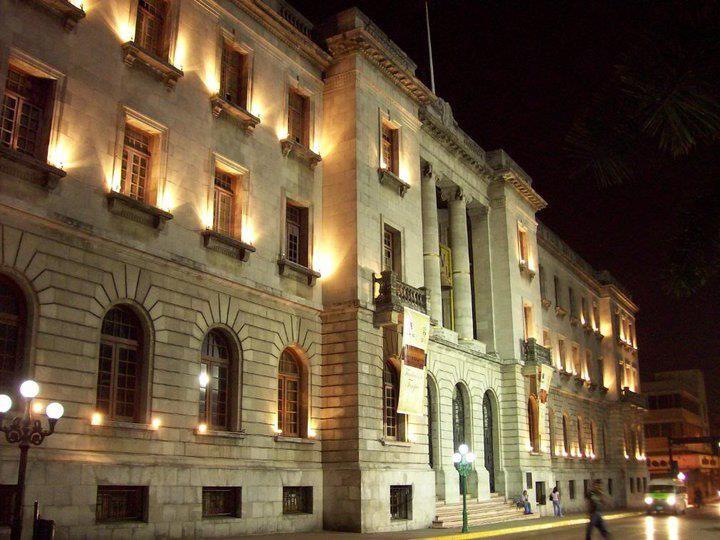 Palacio de Tampico de Noche
