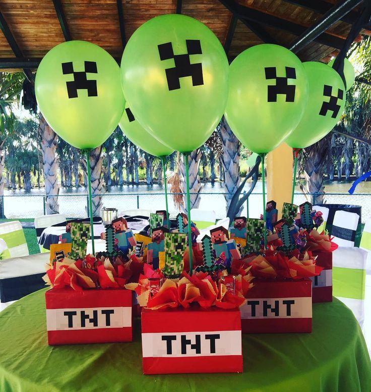 """27 Me gusta, 1 comentarios - Guchona's Eventos By Maru (@guchonas_eventos) en Instagram: """"Centros de mesa Minecraft #centrosdemesa #centerpieces #minecraftparty Contáctanos!…"""""""