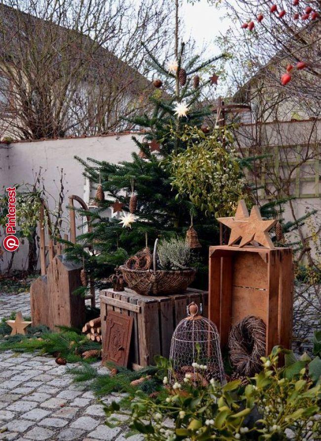 20 Ideen Um Ihren Garten Kunstlerisch Zu Gestalten Weihnachtsgarten Weihnachtsdekoration Weihnachtsdekoration Ideen