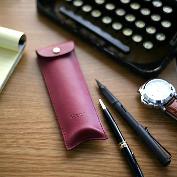 Handmade leather pencilcase Fountain pen case by VincentHands