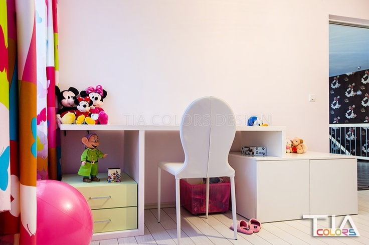 Girl desk