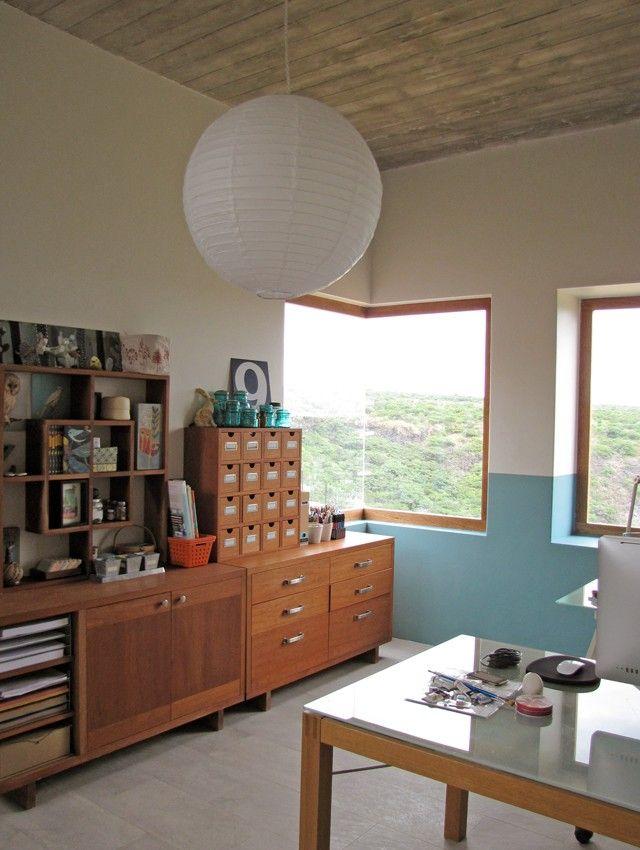 Corner window work space