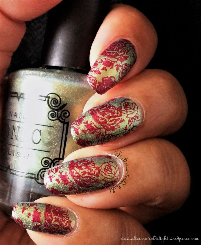 31DC2017Weekly Delicate stamped with Moyra Nature #31dc2017weekly #nail #nailart #multichrome #nailstamping #moyra #nature #floral #tonicpolish #promiseofspring #aengland #rosebower #lumichrome
