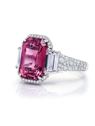 MARTIN KATZ NEW YORK COLLECTION 5.29 carat Pink Sapphire and Diamond Ring (=)
