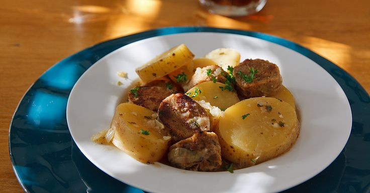 This vegan St. Patrick's Day recipe includes Vegan Irish sausages that you make yourself which are stewed (or coddled) with potatoes. Comfort food!