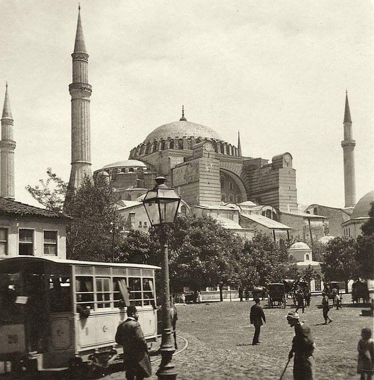 Atlı Tramvay ve Ayasofya / 1906
