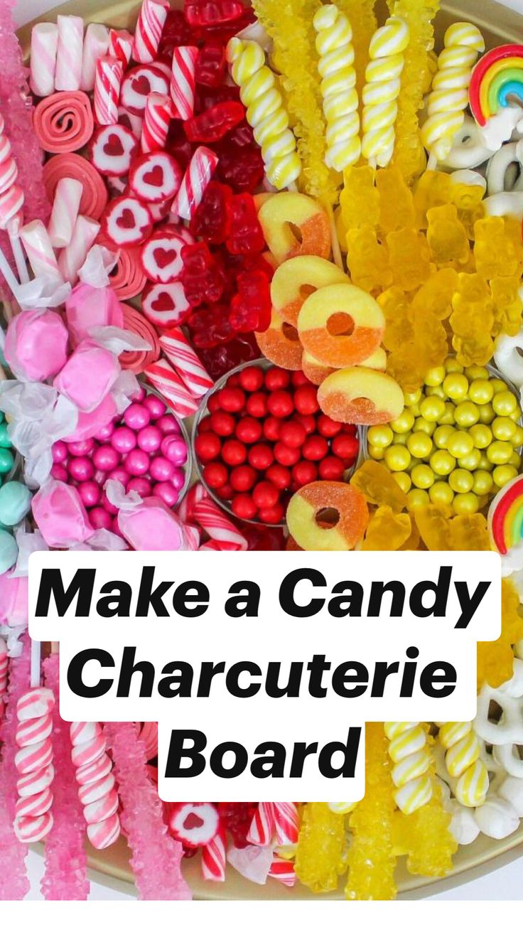 home party ideas Kitsch, Candy Board, Brunch, Food Platters, Candy Party, Charcuterie Board, Candy Buffet, Candy Recipes, Birthday Parties