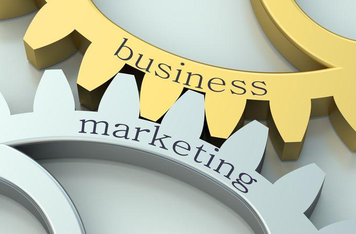Sandy Petrocelli || Image source: https://s3.amazonaws.com/mentoring.redesign/s3fs-public/marketingbiz.jpg