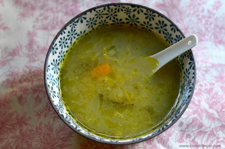 Una sopa de puerro para comer al día siguiente de los excesos navideños (o de cualquier otro exceso)