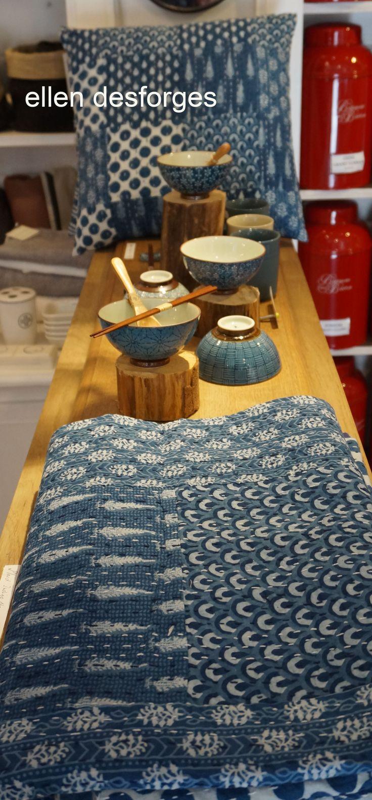 Plaids et coussins en textile indien inspiré du kantha