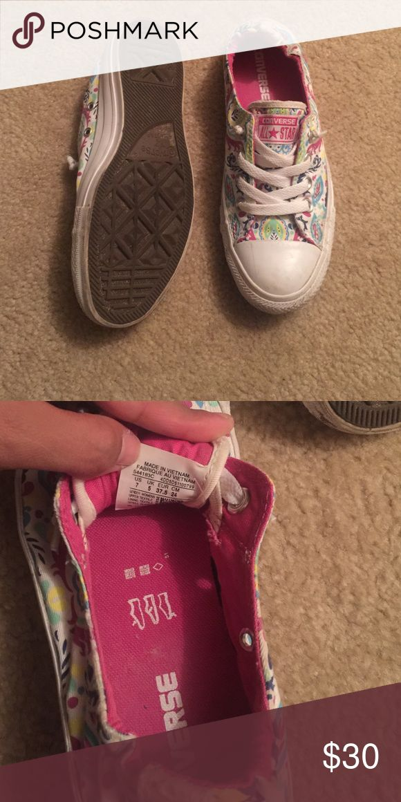 Super awesome ladies converse used twice! Women's converse! Used twice but need a little cleaning. Make me an offer! Converse Shoes Flats & Loafers