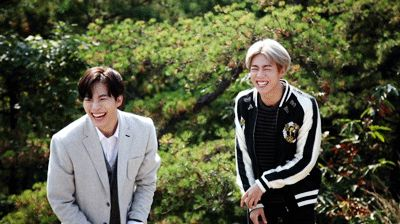 Lee Hyun Woo has such a cute smile, too bad his character hasn't smiled yet