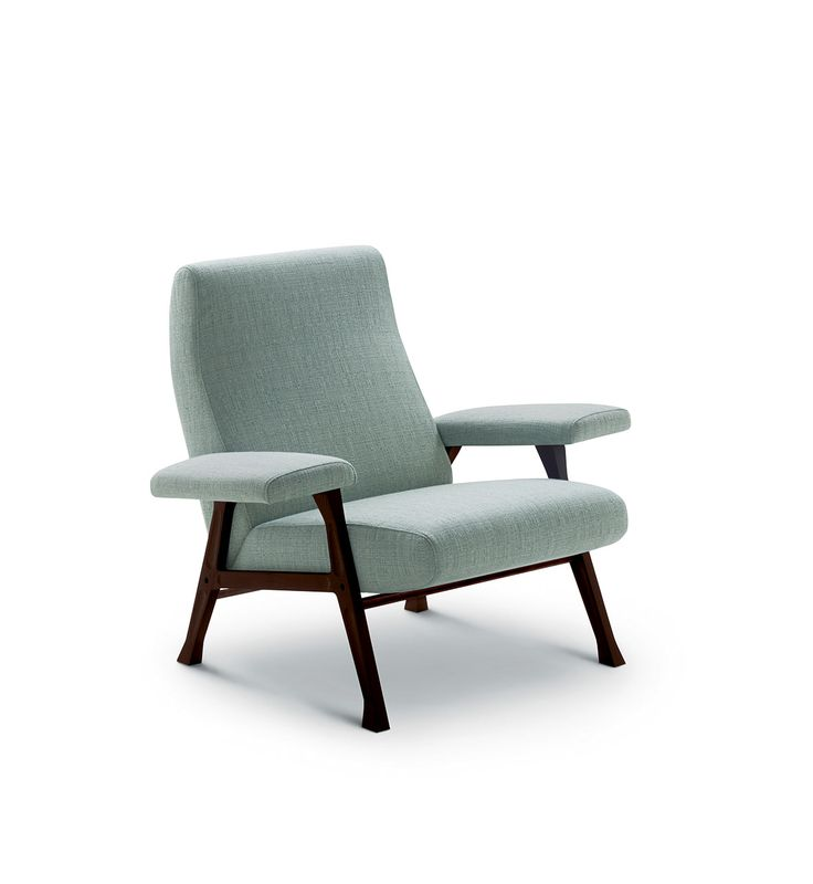 """arflex - Salone del Mobile - Hall design Roberto Menghi 1958 re-work 2016 We are at the end of the '50s: an interesting series of armchairs and sofas, designed by Roberto Menghi and called Hall joins arflex collection. In these years the design tends not to be only for """"élite"""". The birth of other magazines in the wake of Domus, Triennale, the specialized exhibitions manage to raise wider layers of distributors and audience. The armchair Hall receives in 1959 the honorable mention for the…"""
