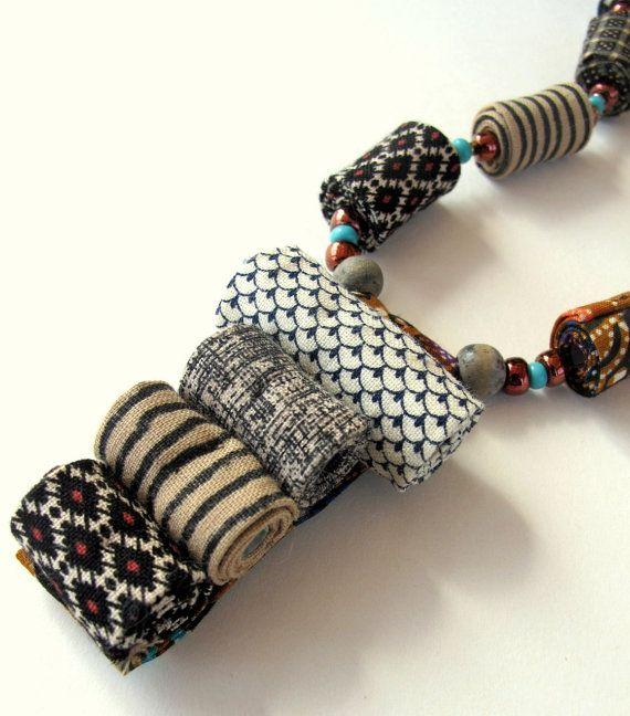 Collar de tribus africanas fibra artística inspirada por Gilgulim