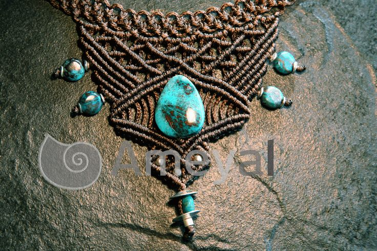 Maya - Macramé- necklace with Turquoise from Peru