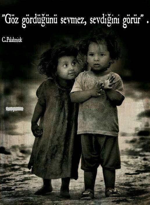 Göz gördüğünü sevmez, sevdiğini görür... - Chuck Palahniuk #sözler #anlamlısözler #güzelsözler #manalısözler #özlüsözler #alıntı #alıntılar #alıntıdır #alıntısözler