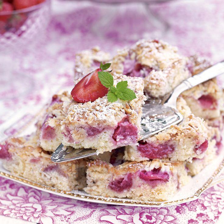 Lättbakade jordgubbsrutor med vit choklad.