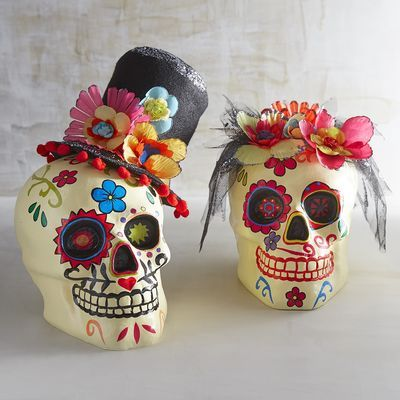 You know what they say: Two heads are better than one. Especially when they're a Day of the Dead couple smartly dressed in their festive best. We think they're pretty special, don't you?