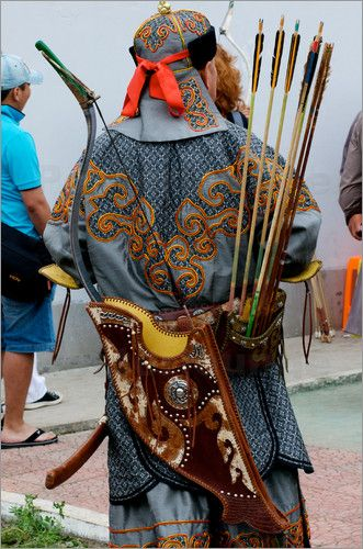Naadam Festival Archer, Mongolia. Fabulous example of the quivers that hang from belts - used in the steppes of Asia for well over two millenia.