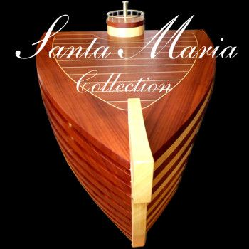 Santa Maria yacht desk by Rubyn. The desk looks like a luxury yacht. It is sophisticated, stylish, precise, a real love at first sight. www.rubyn.eu