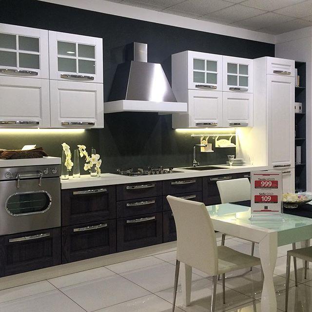 Le nostre infinite soluzioni di cucine. Il più grande centro cucine del sud Italia ti aspetta all'ingresso di Modugno (Bari) in via Roma 120.