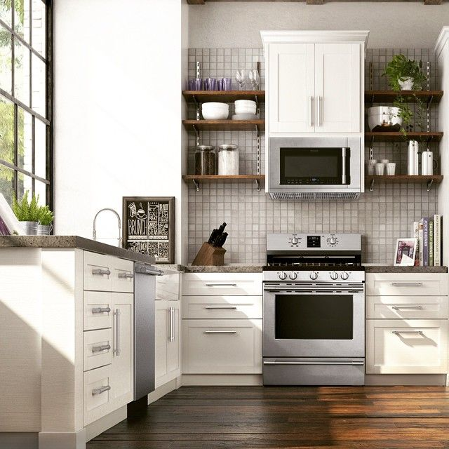 Keep your kitchen looking beautiful with Frigidaire Smudge-Proof™ stainless steel kitchen appliances. #Lowes #Appliances #Kitchen #Inspiration