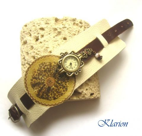 Bőr karkötő kasírozott képpel és bronz óralappal