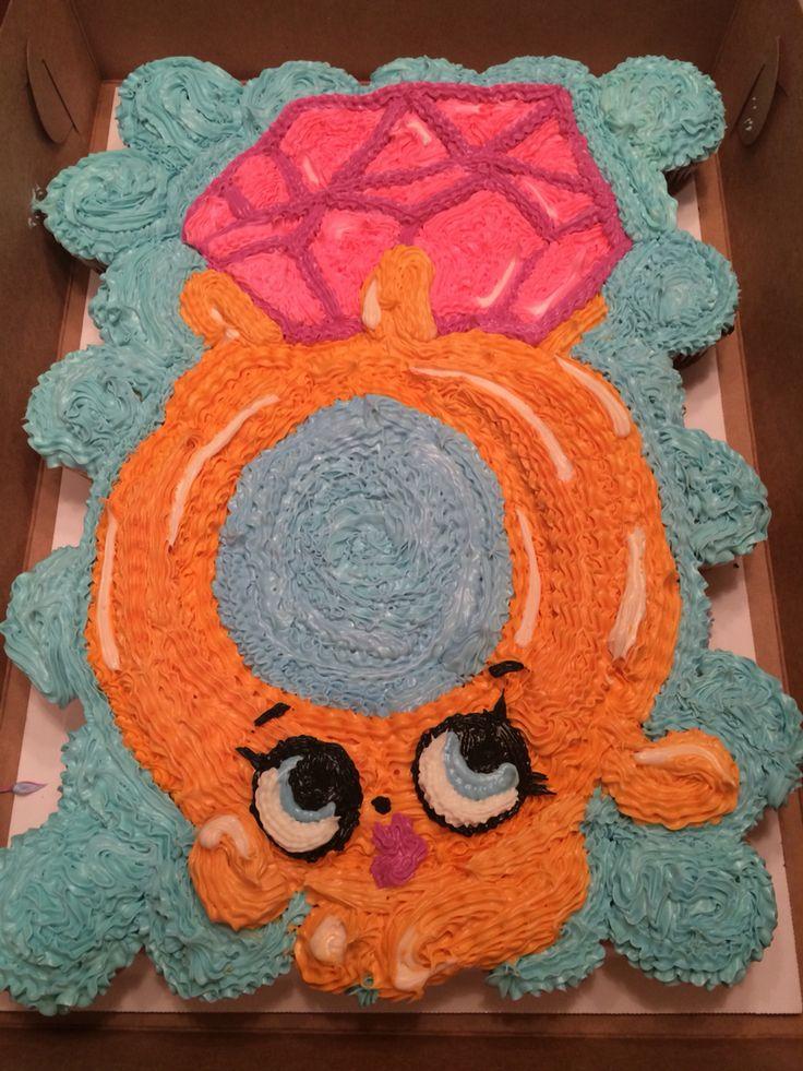 Shopkin Ring Cupcake Cake