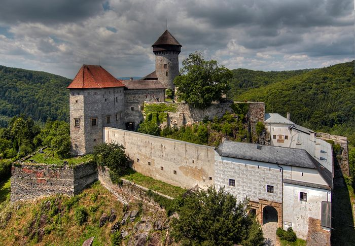 http://cestovanipocesku.cz/uploads/2014-10/hrad-sovinec.jpg