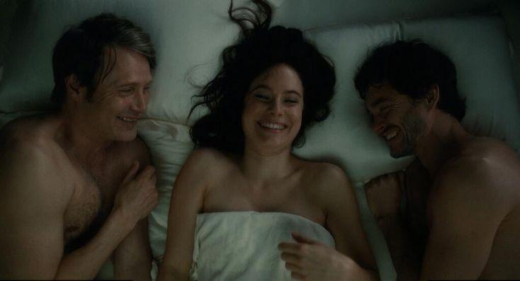 "Mads Mikkelsen, Caroline Dhavernas, and Hugh Dancy behind the Scenes of Hannibal 2x10 ""Naka-Choko"""