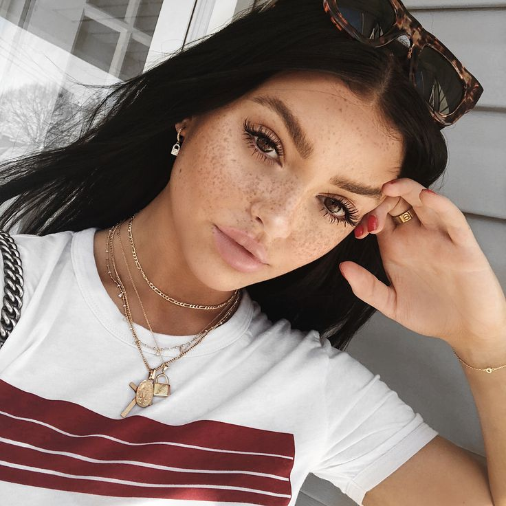 """•her freckles and eyebrows• 38.1k Likes, 334 Comments - Kelsey Simone (@k.els.e.y) on Instagram: """"AYEEE New video is up on my channel!!! Want a flawless looking bod for spring break & summer? Link…"""""""