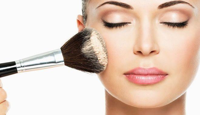 8 conseils de maquillage rapides pour les collégiens et les filles des collèges #college #girls… - #college #girls #Ma -