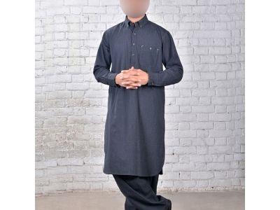Le costume traditionnel pakistanais