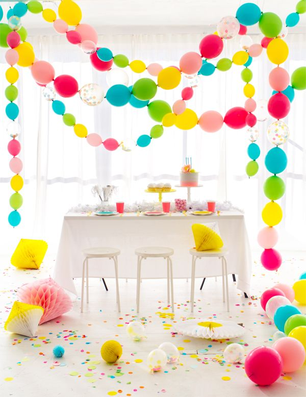 PARTY BALLOON GARLAND | 50 FREE PRINTABLE GARLANDS AND DIY BANNERS YOU NEED FOR YOUR WEDDING OR PARTY DECOR!