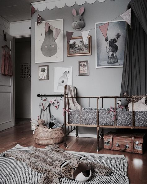 This room has a bit of everything thrown in - vintage furniture, vintage fabrics, vintage frames and more. The result is stunning! Charming , captivating and a magical space for a child http://petitandsmall.com/charming-vintage-kids-rooms/