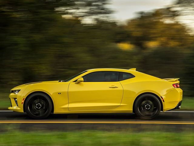 Chevrolet Camaro V8 May Get A Price Cut Because Its Too Expensive