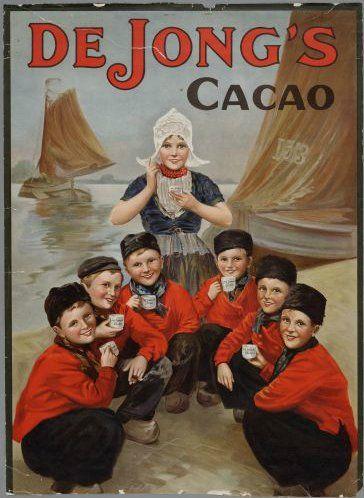 Wormerveer De Jong's Cacao Afbeelding: Volendammer jongens en een meisje in klederdracht. ca 1900 Zaans Archief