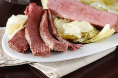 Learn how to make a perfectly cooked corned beef with this easy guide from Food.com.