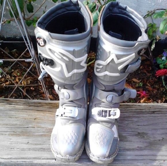 Alpine Stars Dirt bike boots Women's Alpine Stars Tech 6 dirt bike boots.  In excellent shape.  These are the most comfortable boots!!! Shoes Combat & Moto Boots